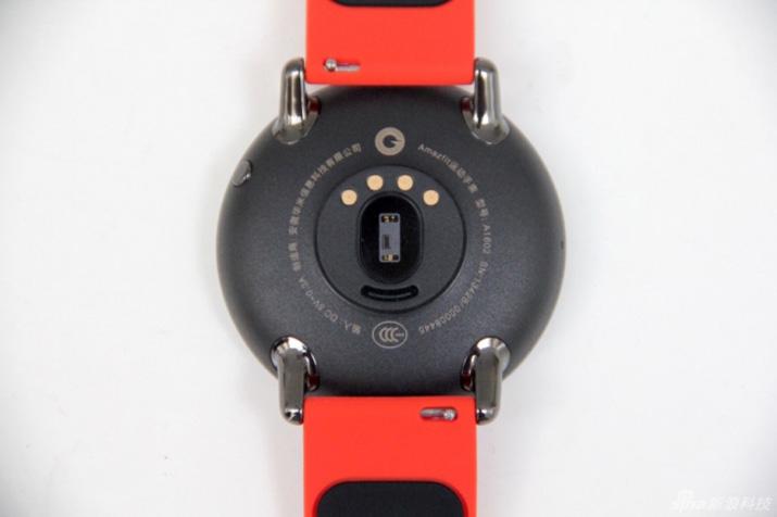 long-awaited-xiaomi-amazfit-smartwatch-with-gps-003