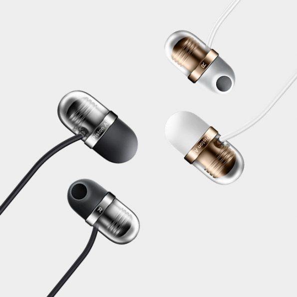 capsule-earphone-
