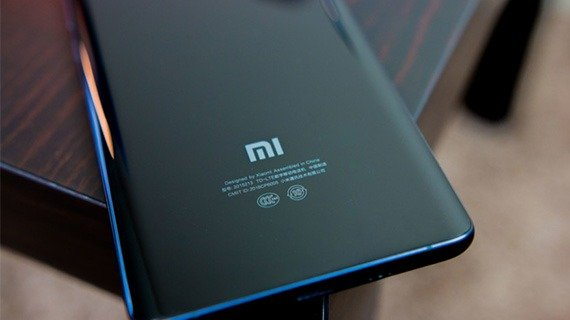 گوشی Mi 6 با صفحه نمایش ۲K