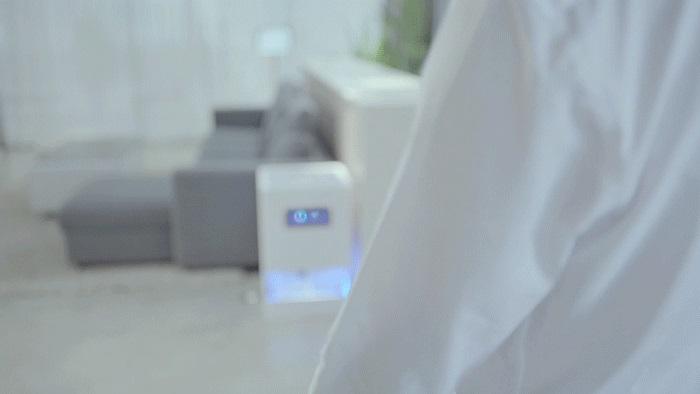 گوشی می میکس 4 فناوری شارژر راه دور دارد